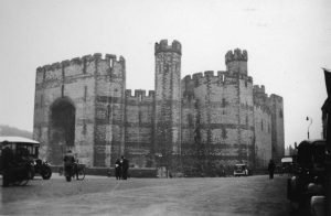 Caernarfon Castle from The Market Square in 1935