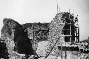Criccieth Castle in 1935