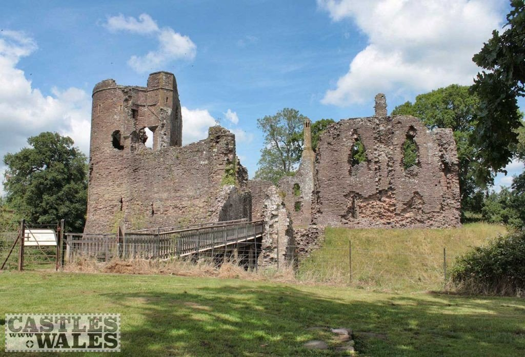 Grosmont Castle by Robert Cutts