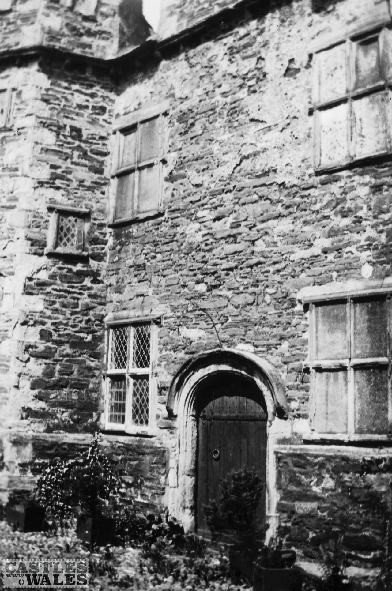 Plas Mawr, Conwy (Inner Courtyard) in 1935